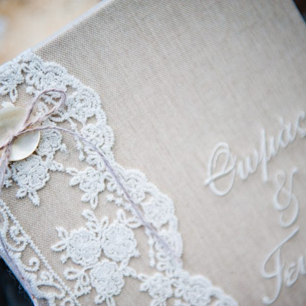 White n gold wedding theme White & Golden Wedding White & Golden Wedding gold and white wedding athina8a 600x600 Wedding Planners Wedding Planners gold and white wedding athina8a 600x600