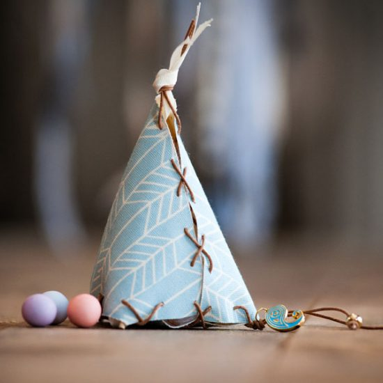 Blue christening Little teepee for Ilias Little teepee for Ilias liitle teepe vaptisi 550x550 Wedding Wedding liitle teepe vaptisi 550x550